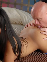 Busty chocolate TS Nadia gets sucked & fucked
