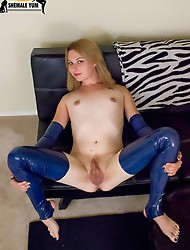 Brand new Texas girl returns for her second solo scene