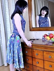 Horny sissy with bright make-up seduces his date into ass-fucking workout