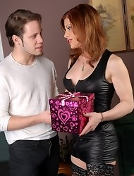 Amazing TMILF Jasmine getting her Valentine's gift from Wolfe