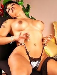 Big Titted Tranny Foxxy Posing
