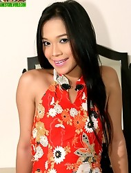 Jessica is a sexy ladyboy from Manila who always has a seductive look on her face. With just one glance, this shemale will convince you to drop your p