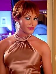 Super Hot Mia Isabella Posing In Vegas